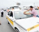 Sin tregua contra los taxis piratas