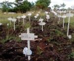 Desfilan por fosa común familiares de desaparecidos