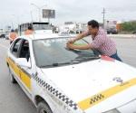 Reiteran van con contra taxis piratas