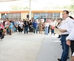 Lleva R. Ayuntamiento servicios de fumigación y despensas a Rincón de las Flores
