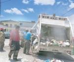 Controlan fuego en contenedor de basura oficial