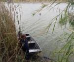 Le sale mal el retorno y cae al canal con su auto en Reynosa