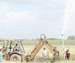 Piperos culpados de causar fugas de agua en toma