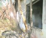 Queman basura y por poco incendian otras viviendas