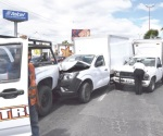 Invasor causa carambola de cinco vehículos