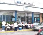 Van telefonistas en contra de IFETEL y división de Telmex