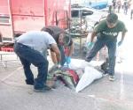 Muere aplastado repartidor de 'chescos' en choque
