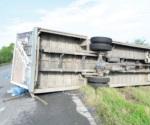 Vuelca camión de 'Blanquita'