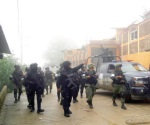 Pistoleros liberan a 4 policías plagiados