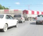 Caos vial en avenida