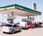 Descartan importar gasolina