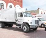 'Exhiben' camiones, y la basura