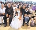 Le 'sacatean' parejas al matrimonio