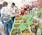 Exponen los productos de Oaxaca y Chiapas en stands