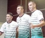 Presenta Santos a sus refuerzos