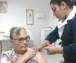 Inmuniza IMSS a población abierta