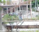 Crece número de personas pescando a  orillas de canales