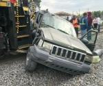 Embiste el tren a camioneta en Río Bravo
