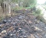 Sofocan incendio en terreno baldío