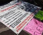 Manifestación de trabajadores eventuales del Estado en la Secretaría de Salud