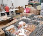 Mucha demanda de alimento a bajo costo en el banco