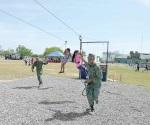 Sana convivencia en paseo dominical con el Ejército