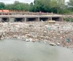 Aflora grave contaminación