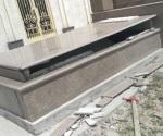 Destruyen dos lápidas