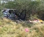 Volcadura deja saldo de 3 muertos y 2 heridos