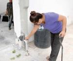 Batallan vecinos con el agua en Las Ceibas desde hace una semana