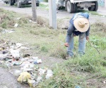 Limpian la ciudad ante proximidad de los huracanes