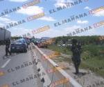 Libra despojo de su vehículo, pero cae a canal; dos heridos