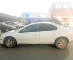 Encuentran auto abandonado con reporte de robo en tienda
