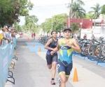 ¡Continúan triatletas cosecha de medallas!