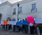 Defienden maestros a director acusado de abuso sexual