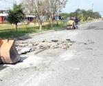 Previene Protección Civil a automovilistas por reparación de baches