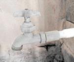 Sufren por baja presión de agua