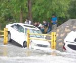 Muere ahogado en auto