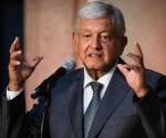 Proyecta López Obrador que la gasolina bajará en 3 años
