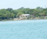 'Esconderan' con bordo agua de la laguna