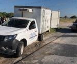 Explotan llantas traseras y causan volcadura de camión de Sarita