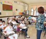 Pasan a los maestros al pizarrón