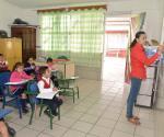 Exigen mejores condiciones de seguridad maestros