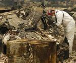 Encuentran 8 cuerpos calcinados en California; aumenta a 59 muertos