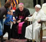 Niño autista argentino conquista al Papa Francisco en audiencia